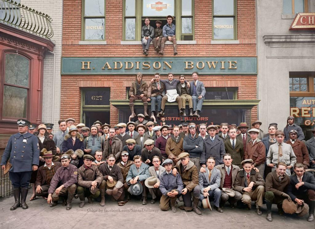 Dealer Harleya-Davidsona - Świat na 10 kolorowych starych zdjęciach - Autor: Sanna Dullaway