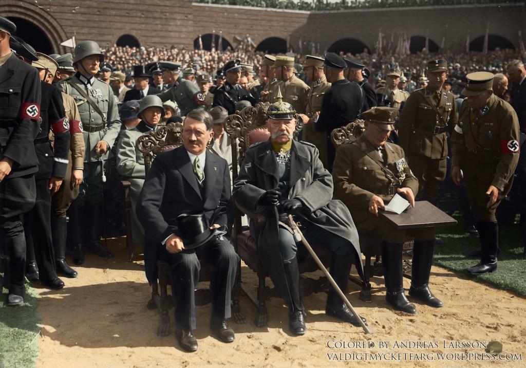 Adolf Hitler i Paul von Hindenburg - Koloryzacja zdjęcia: valdigtmycketfarg.wordpress.com