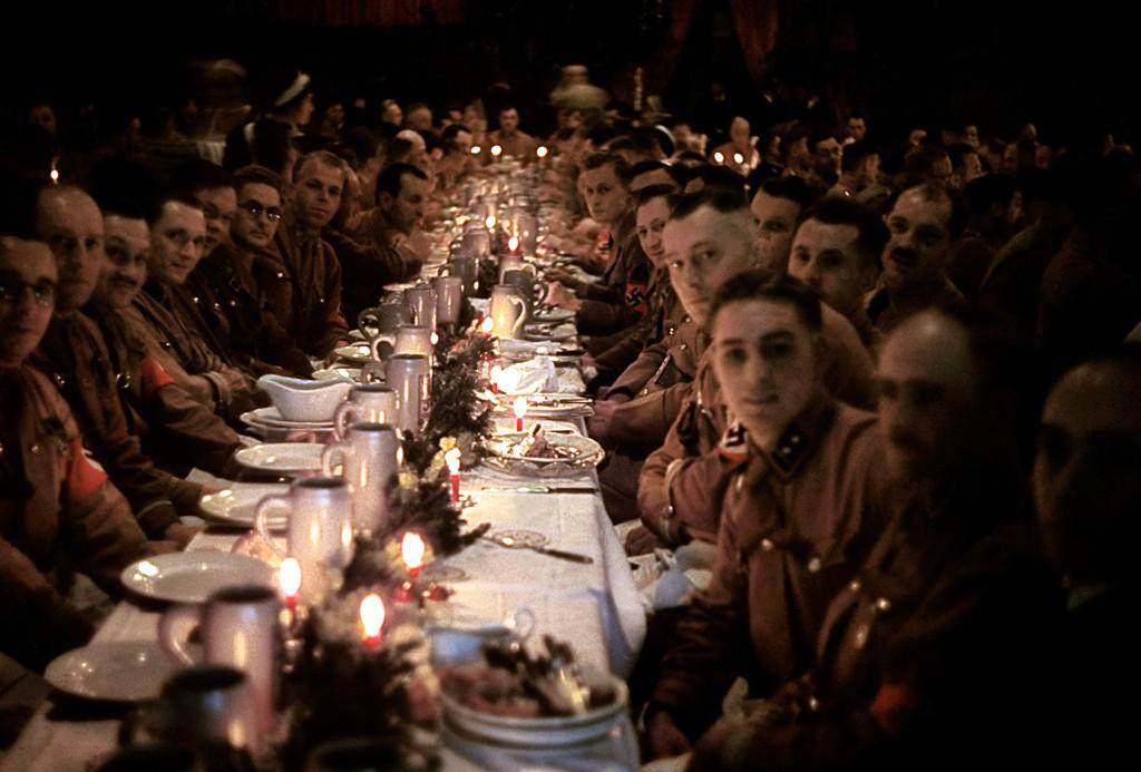 Obchody Nazistowskiej Wigilii - Foto: Hugo Jaeger