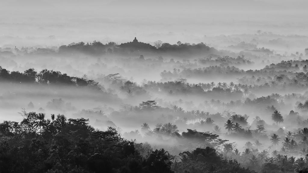 Buddyjska świątynia Borobudur - Foto: ® Dikky Oesin, Indonesia, Shortlist, Open Panoramic, 2016 Sony World Photography Awards