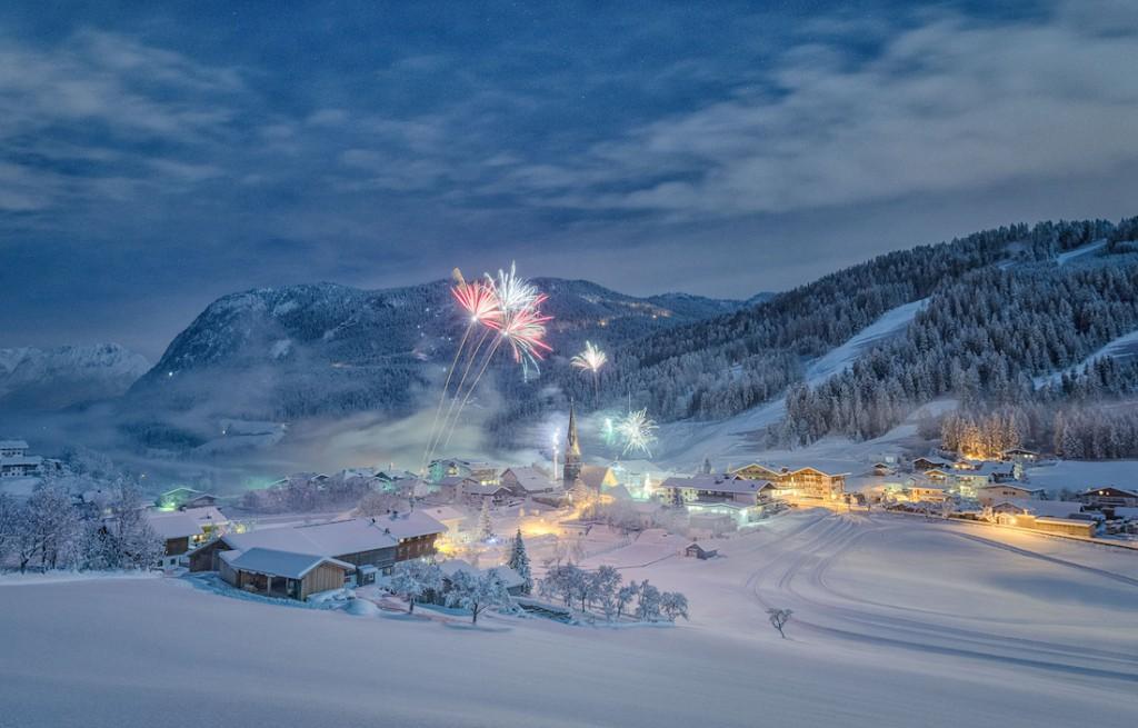 Sylwestrowa noc w dolinie Thierseetal w Tyrolu w Austrii - Foto: ® Stefan Thaler, Winner, Austria, National Award, 2016 Sony World Photography Awards