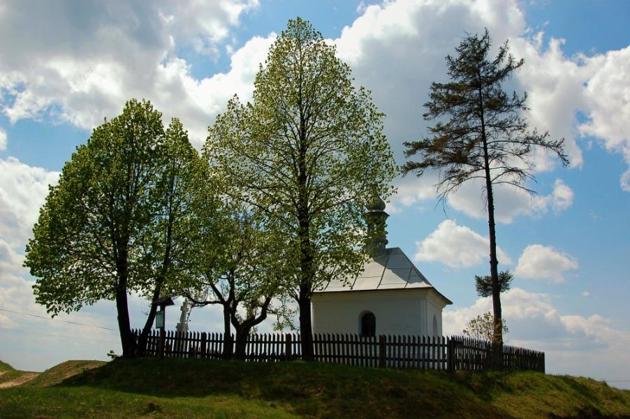 Kapliczka Sobieskiego - 10 Baśniowych i Urokliwych Miejsc w Polsce - Foto: Mirosław Teterycz