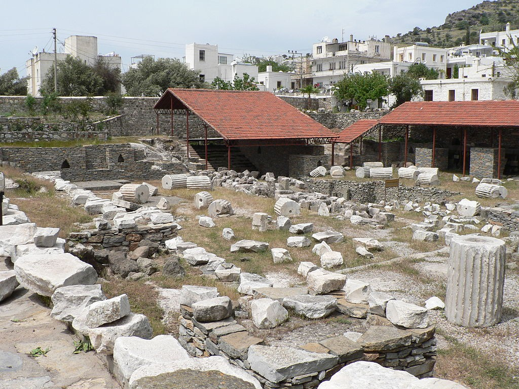 Widok na współczesne pozostałości mauzoleum, dziś w Bodrum w Turcji - Foto: Patrickneil Źródło: commons.wikimedia.org