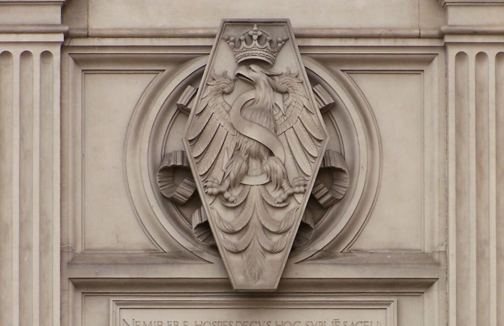Pkt. 1 - Orzeł na Kaplicy Zygmuntowskiej na Wawelu - Foto: Lestat (Jan Mehlich) Źródło: commons.wikimedia.org
