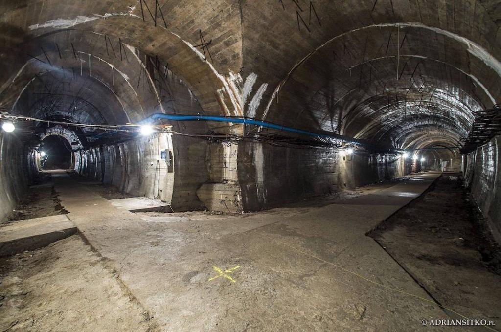 Łącznik między dwoma komorami - Foto: Adrian Sitko