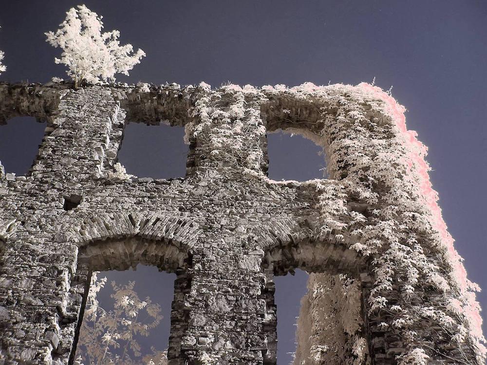 Ruiny niedokończonego pałacu Hochbergów w Cierniach - Foto: Kamil Pluta