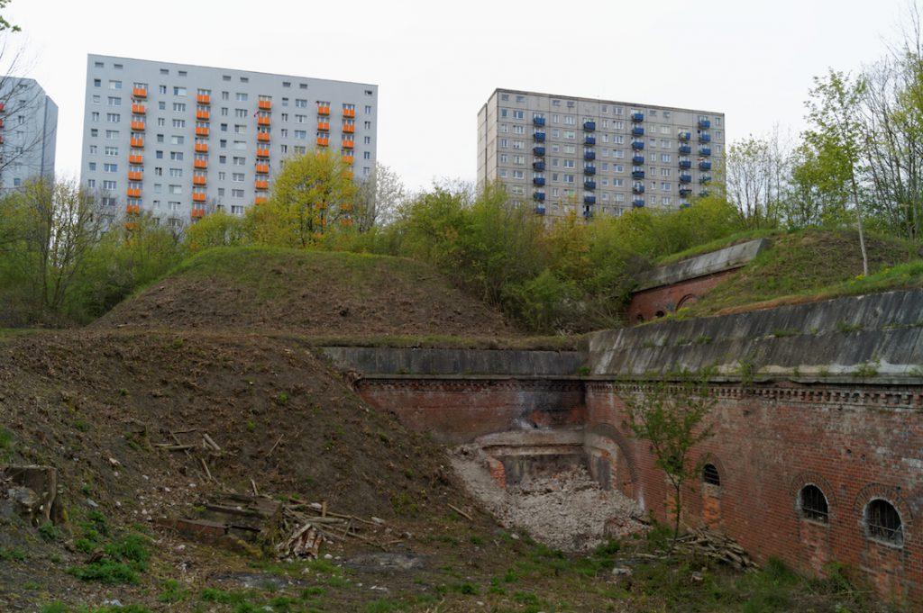 Stare fortyfikacje i współczesne blokowiska, taki jest właśnie Poznań
