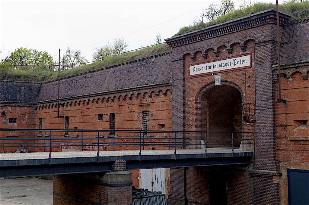 W czasie II Wojny Światowej mieścił się tu Konzentrationslager Posen