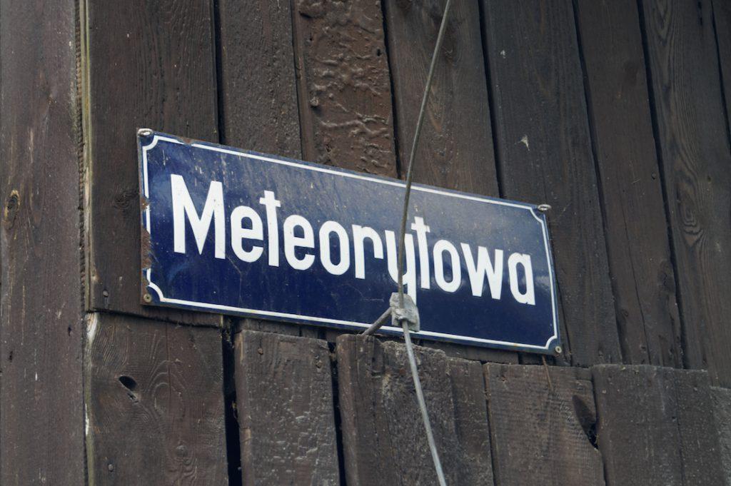 Meteorytowa - Pobliska ulica ma również stosowną nazwę