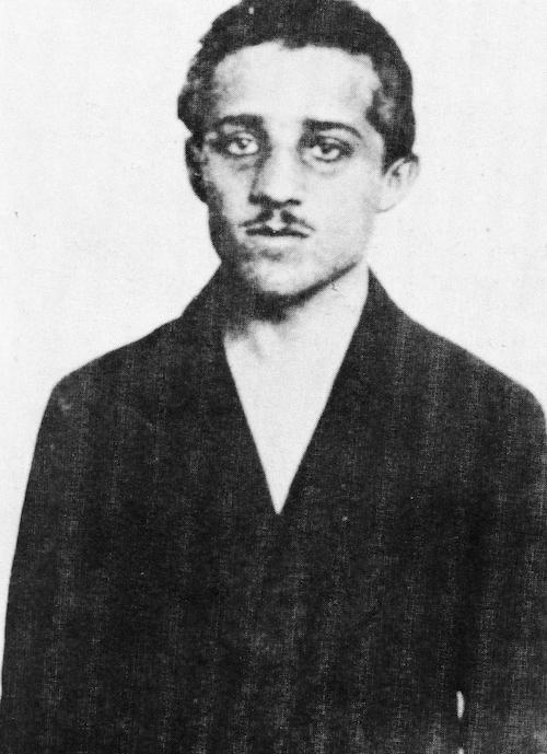 """Zamachowiec """"Czarnej Ręki"""", 19-letni student Gavrilo Princip"""