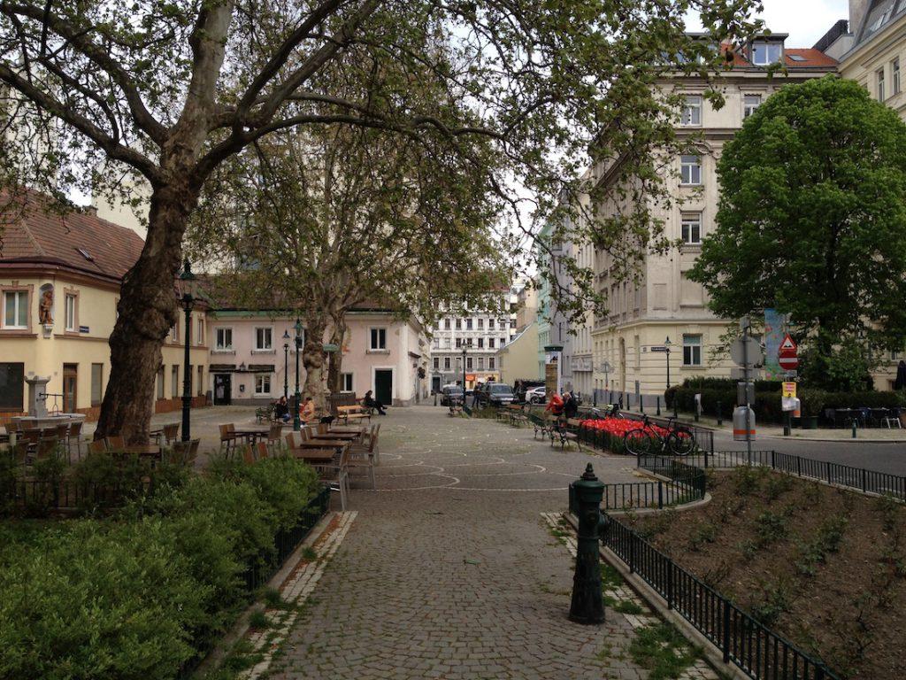 Sobieskiplatz - Nieduży plac w Wiedniu nazwany na część Jana III Sobieskiego