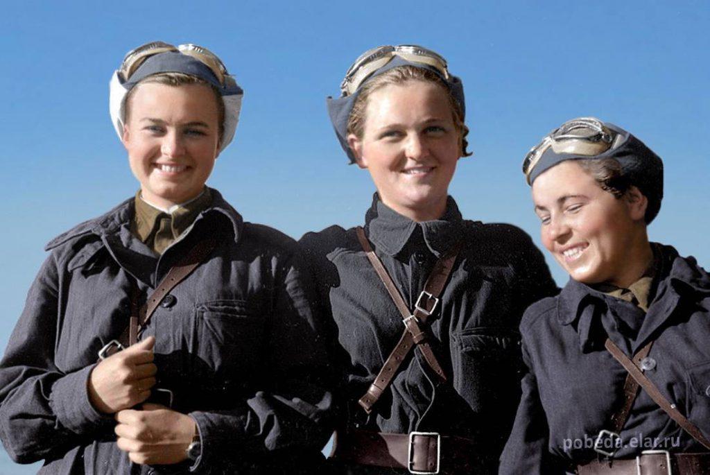 Bohaterki, pilotki Związku Radzieckiego, od lewej Natalia Meklin, Sofia Burzaewa, Polina Gelman, rok 1943