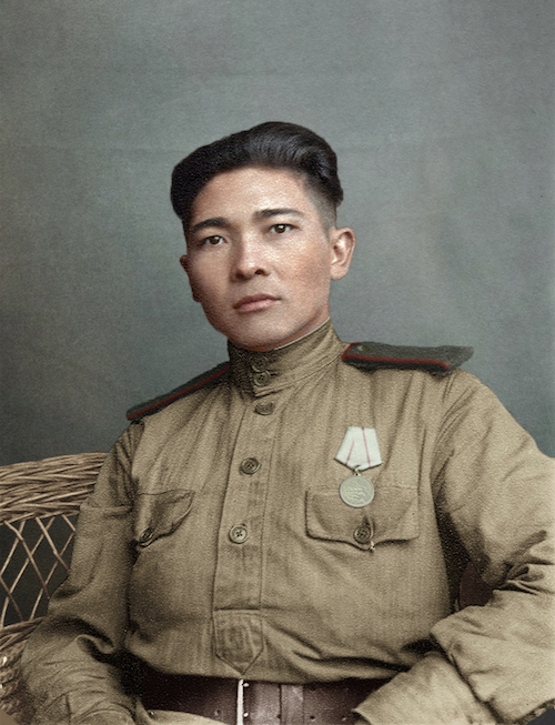 Telegrafista Kazach Zakiy Tezekpayev, odznaczony za obronę Stalingradu