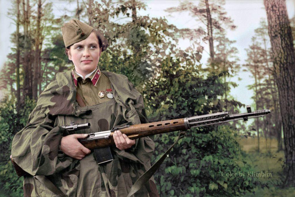 Bohaterka Związku Radzieckiego, Ukrainka Ludmiła Pawliczenko, snajperka, która zabiła 309 żołnierzy przeciwnika, odznaczona najwyższym odznaczeniem ZSRR - Orderem Lenina