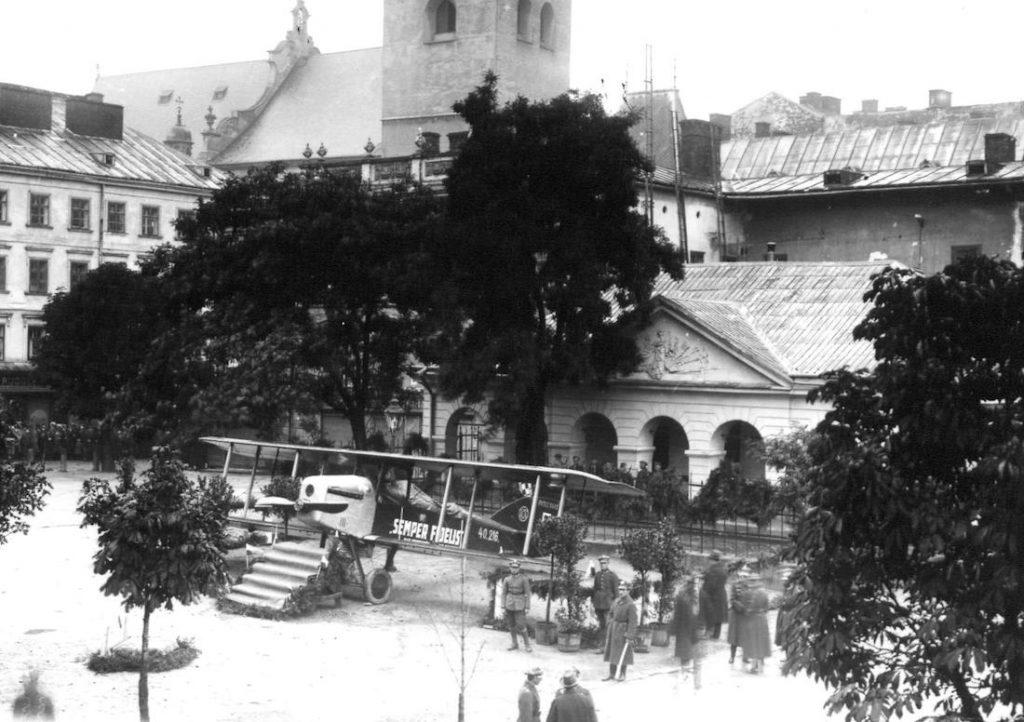 Samolot na Placu św. Ducha