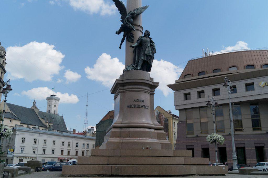 Pomnik Adama Mickiewicza we Lwowie - Polskie ślady we Lwowie
