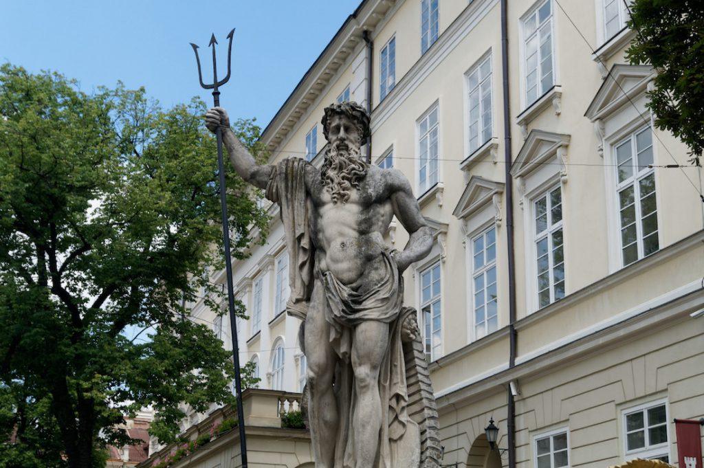 Posąg Neptuna na Rynku we Lwowie