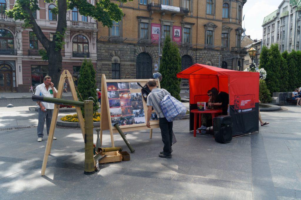 Banderowski namiocik na Prospekcie Swobody