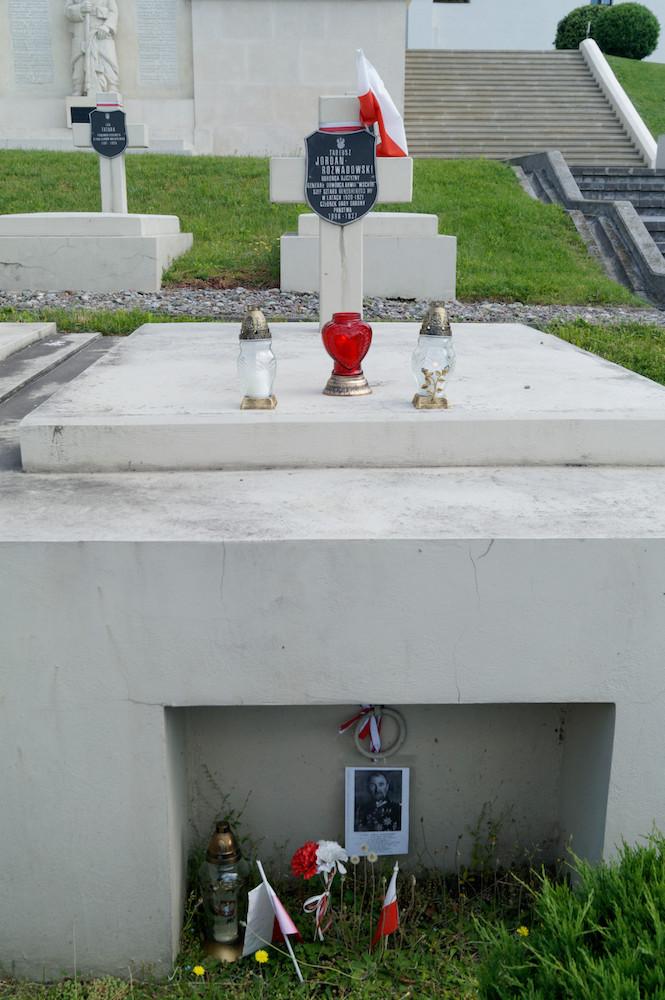 Symboliczny grób gen. Tadeusza Rozwadowskiego