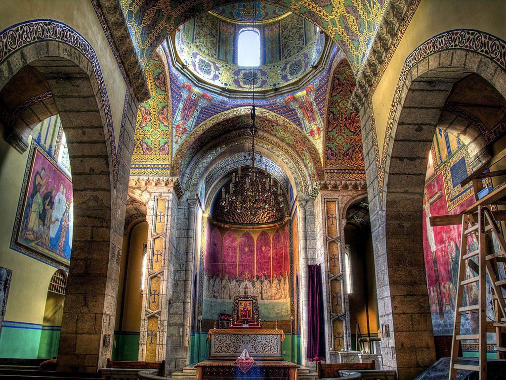 Bajeczne wnętrze Katedry Ormiańskiej we Lwowie - Źródło: commons.wikimedia.org Foto: Robin Schuil