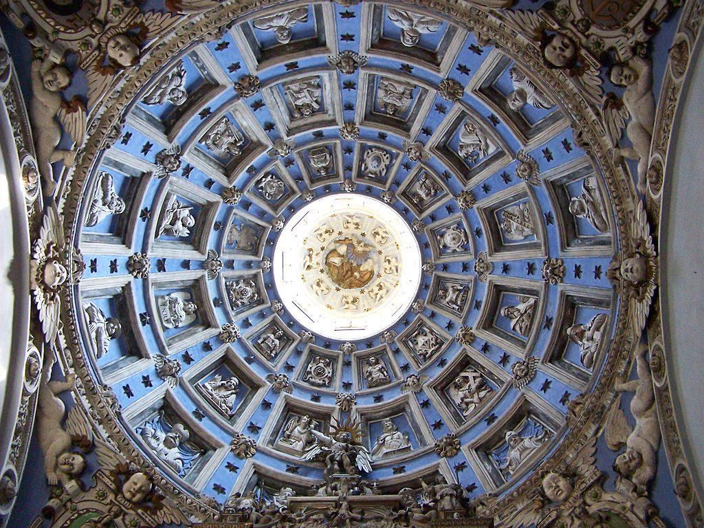 Sklepienie kopuły w Kaplicy Rodziny Boimów - Źródło: commons.wikimedia.org Foto: Lestat (Jan Mehlich)