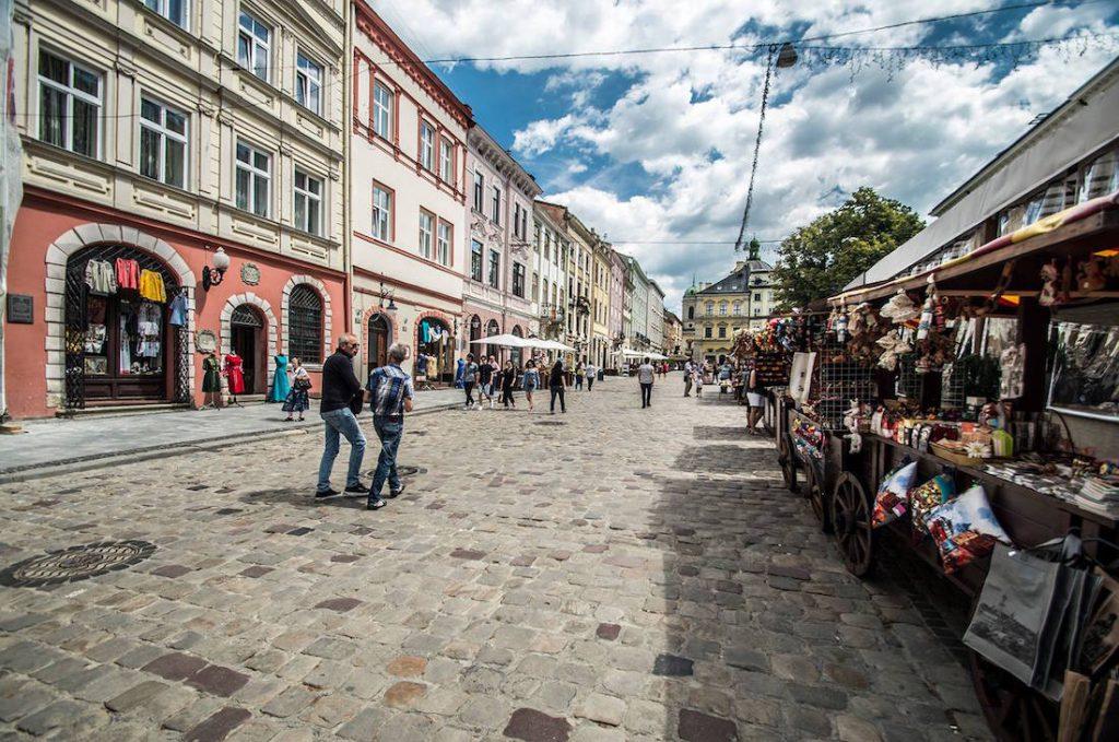 Rynek we Lwowie - Zabytki Lwowa - Foto: Adrian Sitko