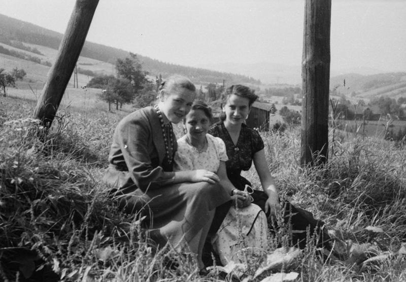Powojenni mieszkańcy Walimia - Źródło: www.archiwum-historii-mowionej.pl