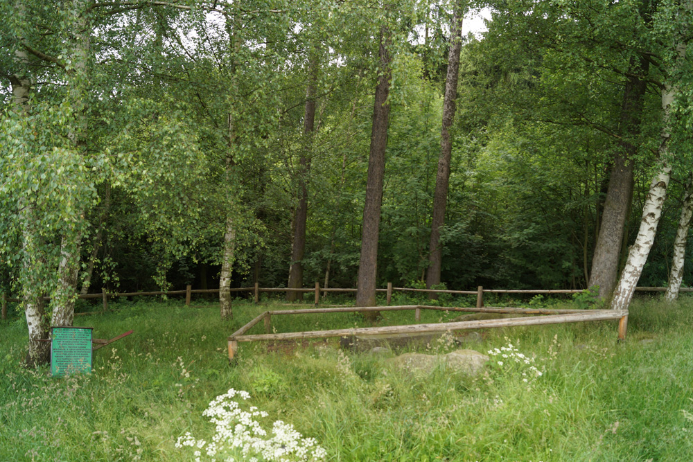 Średniowieczny stół sądowy ukryty w lasku - Zapomniane miejsca na Dolnym Śląsku