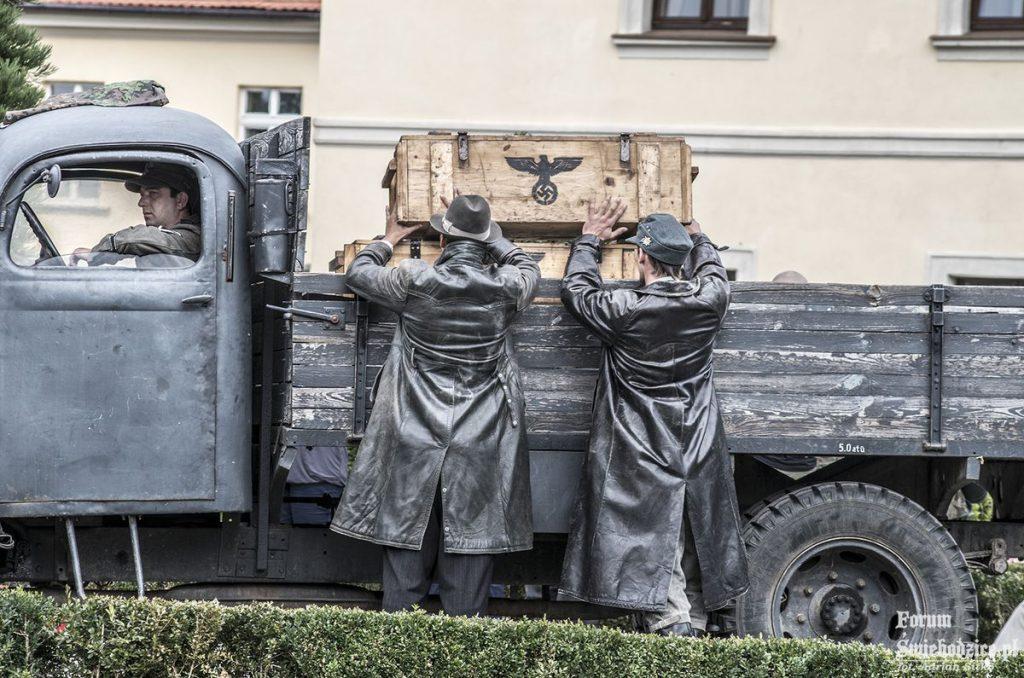 Inscenizacja historyczna na dziedzińcu Zamku Książ - Foto: Adrian Sitko