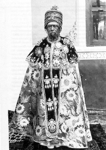 Cesarz Menelik II i jego dziwne ubranie