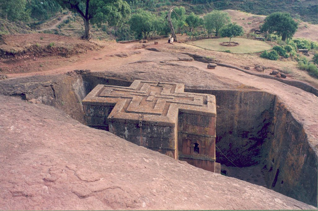 Monolityczny kościół w Lalibeli - Źródło: commons.wikimedia.org Foto: Armin Hamm