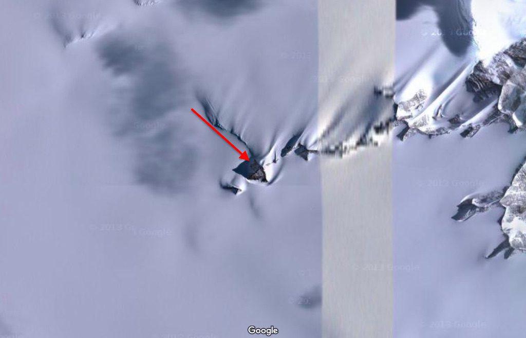 Piramidy na Antarktydzie - Zwykłe góry czy pozostałości zaginionej cywilizacji? - Źródło: Google Maps