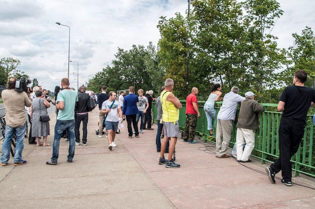 Napięcie sięgnęło zenitu, a wałbrzyszanie i dziennikarze wstrzymali oddech - Foto: Adrian Sitko