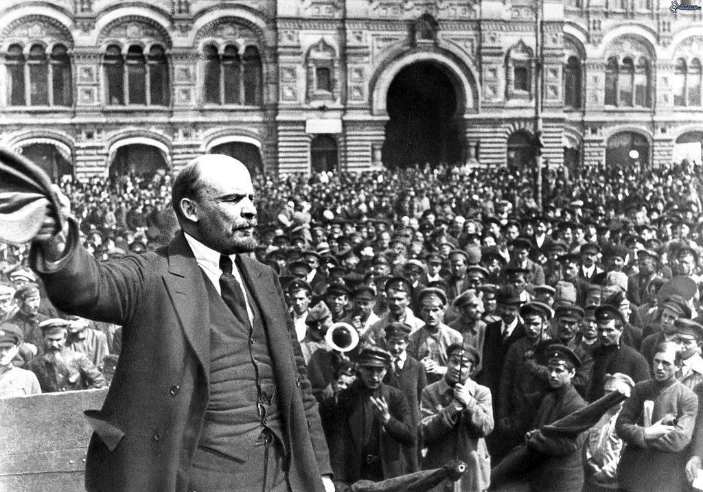 """Sowieci, sowiecki, wywodzi się od rosyjskiego słowa """"sowiet"""", czyli """"rada"""""""
