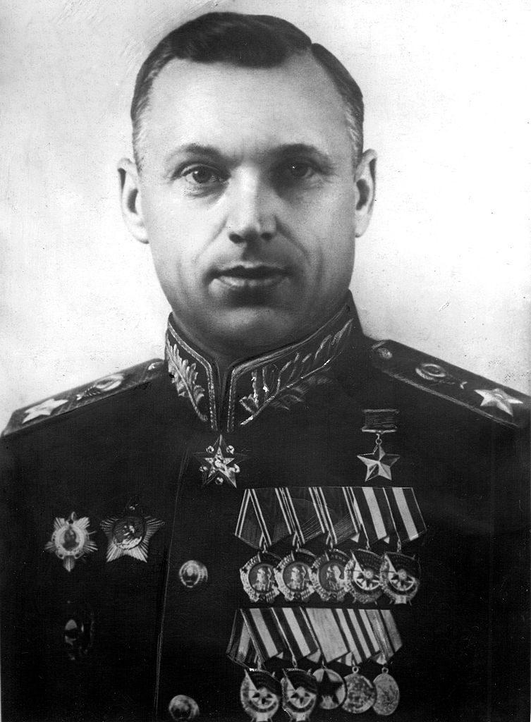 Pierwszy Dowódca PGW marszałek Konstanty Rokossowski