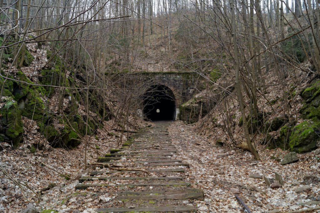 Opuszczony tunel pod Sajdakiem - Wjazd od strony Jedliny-Zdrój