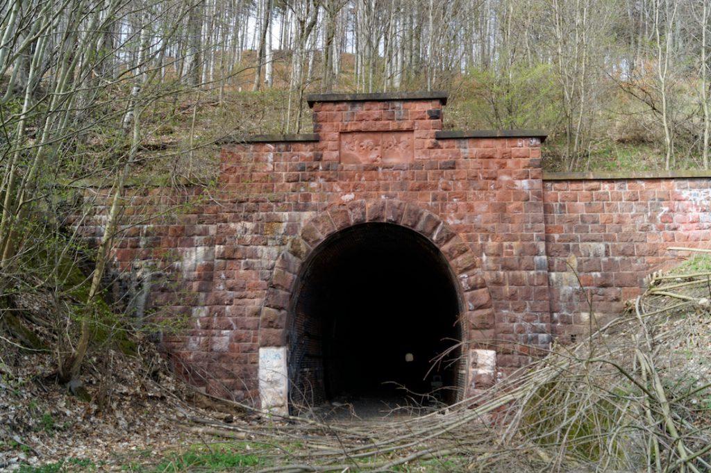 Opuszczony tunel pod Sajdakiem - Wjazd od strony Głuszycy
