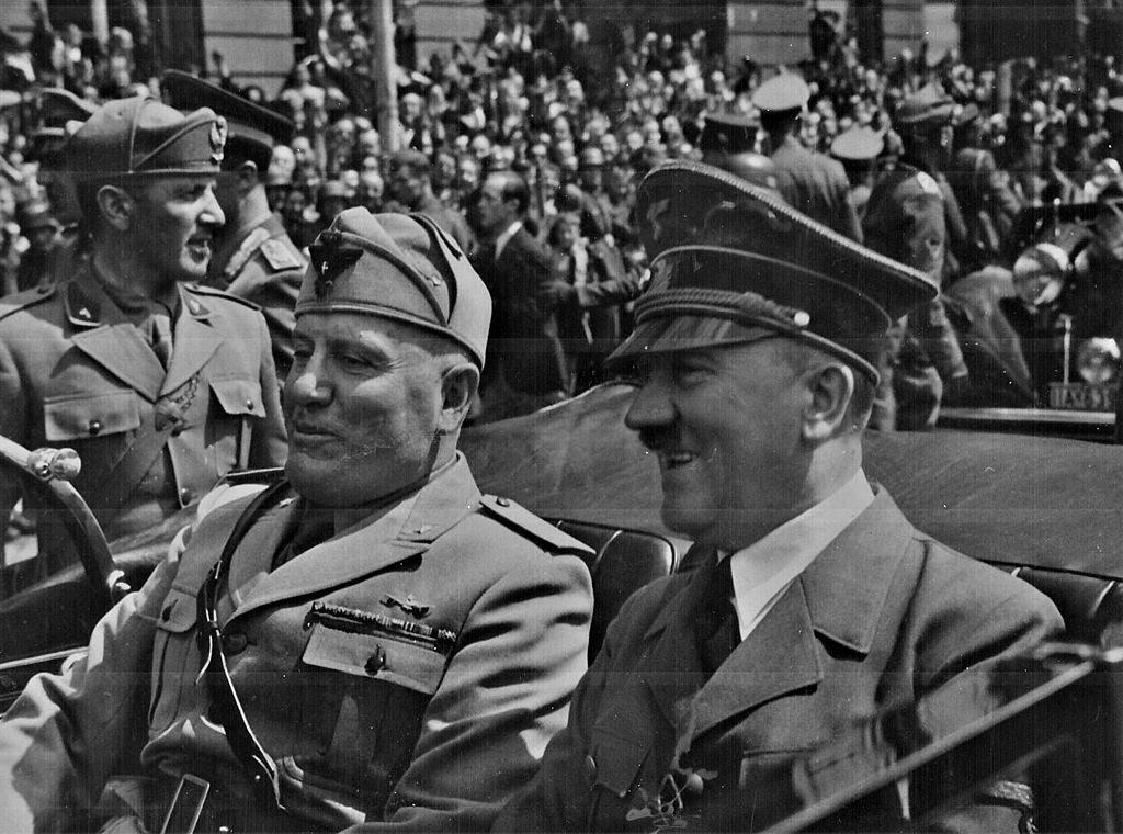 Benito Mussolini i Adolf Hitler - Faszyzm czy nazizm?