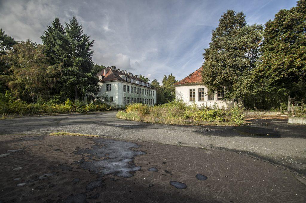 Szpital Widmo - Opuszczony radziecki szpital w Legnicy - Foto: Adrian Sitko