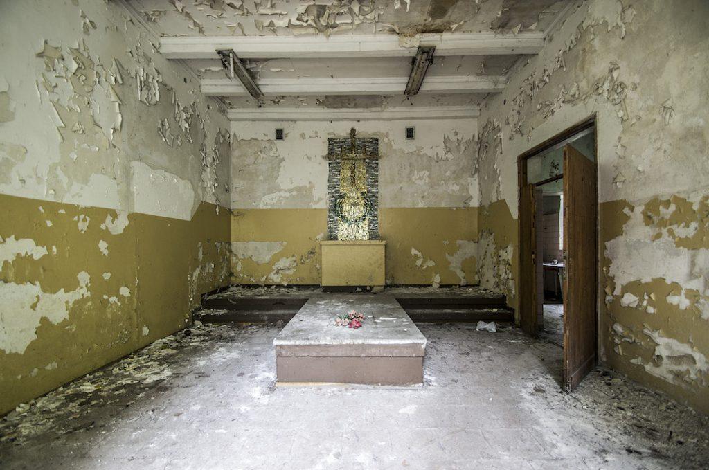 Wnętrze szpitalnej kaplicy - Foto: Adrian Sitko