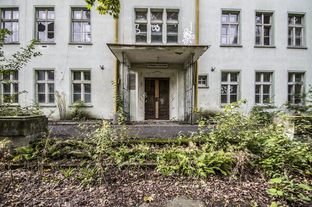Wejście do szpitala - Foto: Adrian Sitko