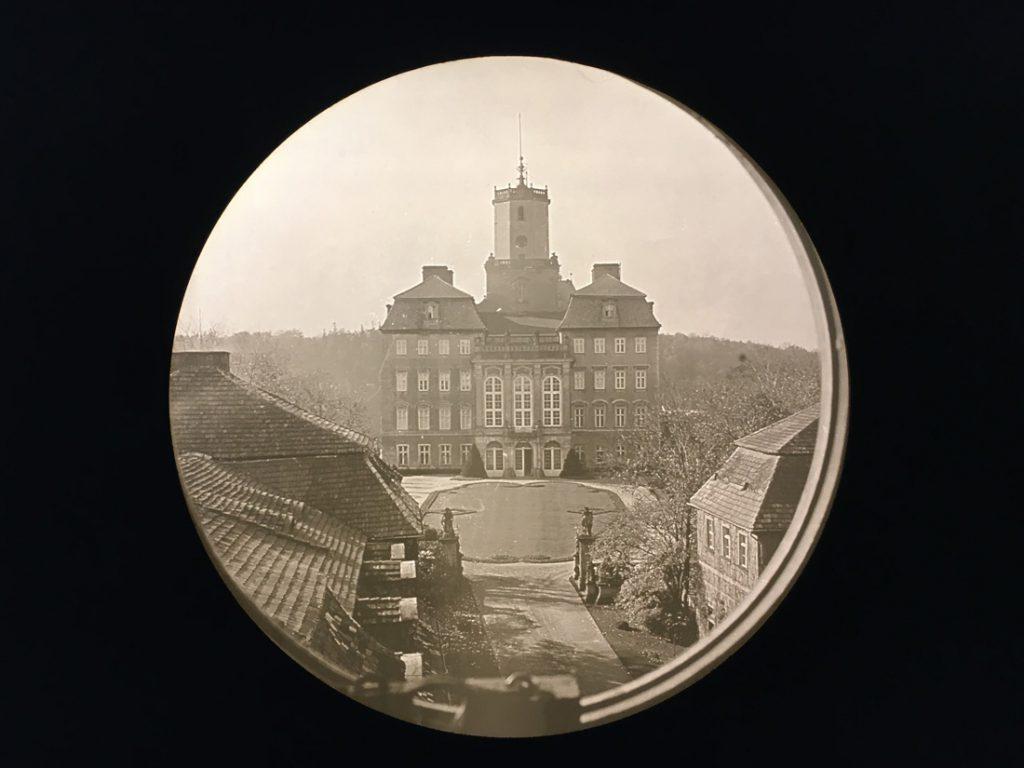 Zdjęcie zamku wykonane jeszcze przed ostatnią przebudową