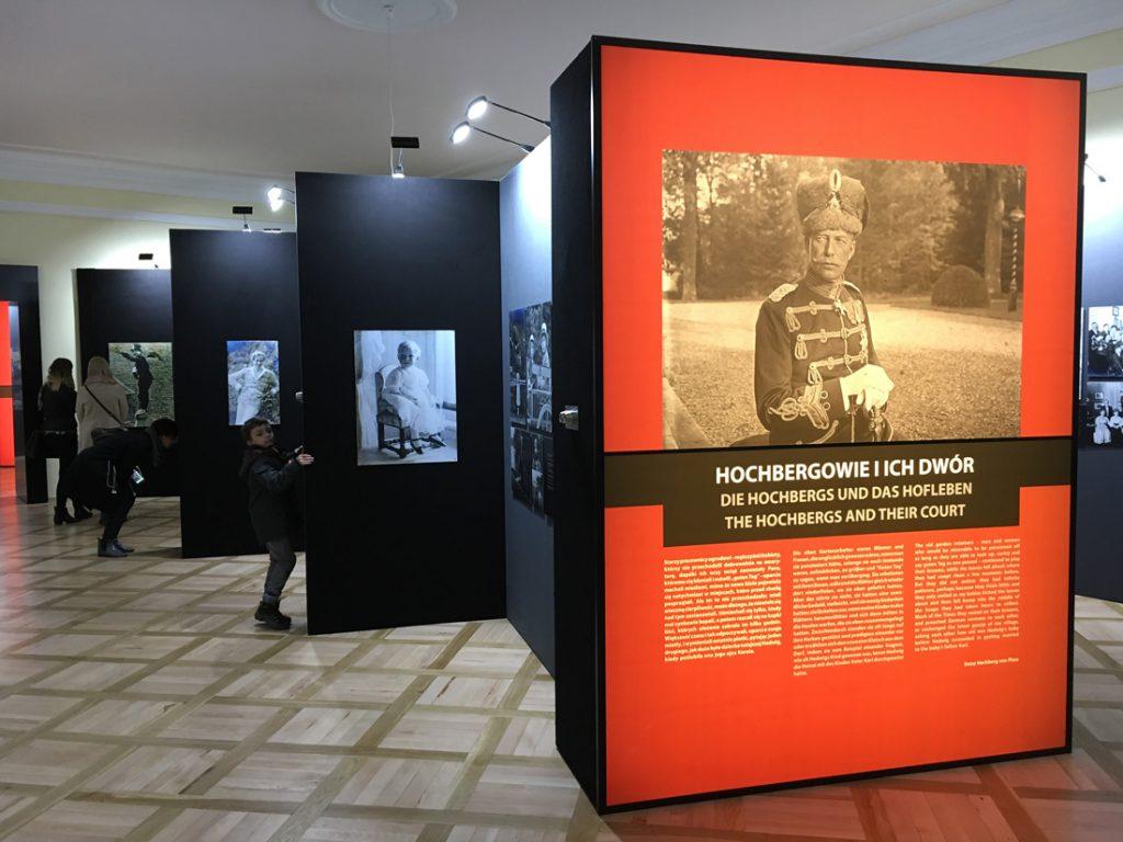 """Wystawa """"Książ od kuchni"""" przedstawia m.in. losy rodziny Hochbergów"""