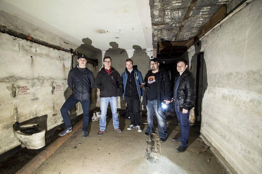 Pozdrawiamy ze schronu pod placem Solnym we Wrocławiu - Foto: Adrian Sitko