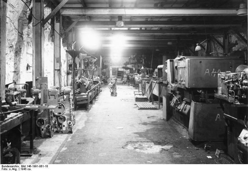 Podziemia Mittelbau-Dora - Źródło: Bundesarchiv Bild 146-1991-061-18