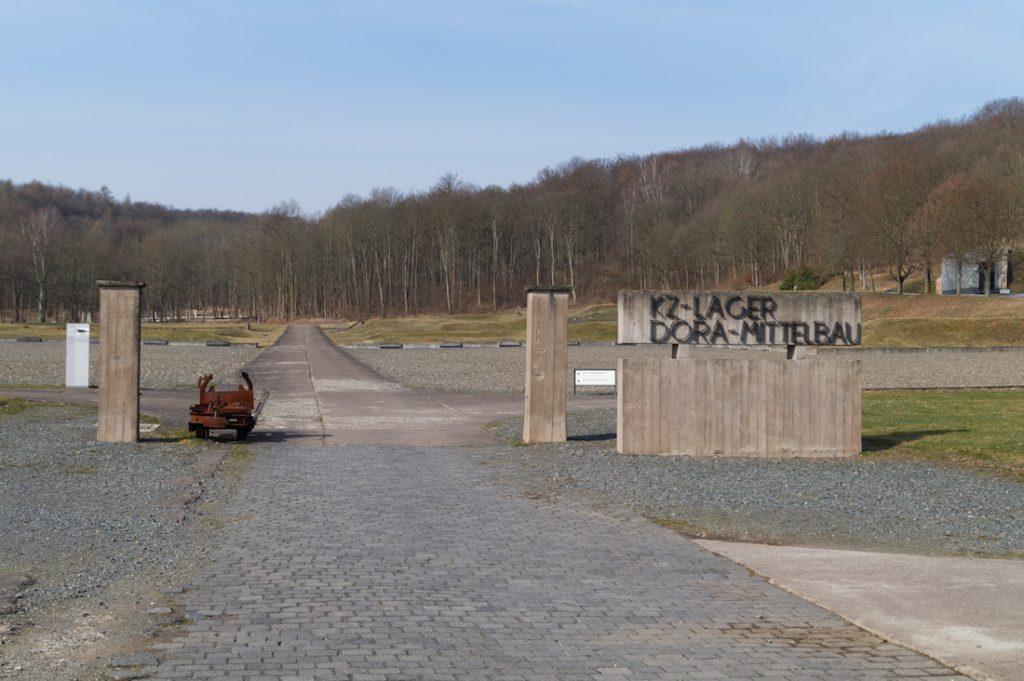 KZ-Lager Mittelbau-Dora - Po obozie nie pozostało dziś dużo śladów, po wojnie obozowe baraki szybko zostały rozebrane