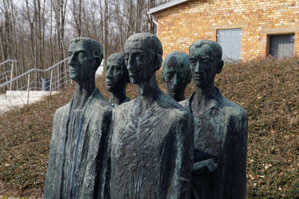 Pomnik autorstwa Jürgena von Woyskiego powstał w 1964 roku