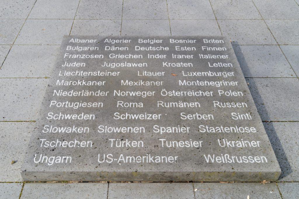 Pomordowani i umęczeni więźniowie KZ Mittelbau-Dora pochodzili z wielu krajów, najwięcej było Rosjan i Polaków