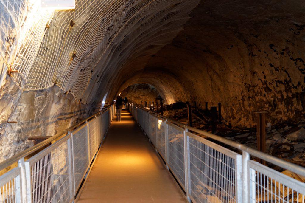 Podziemna trasa dla zwiedzających jest dobrze zachowana, lecz krótka w porównaniu do całego kompleksu