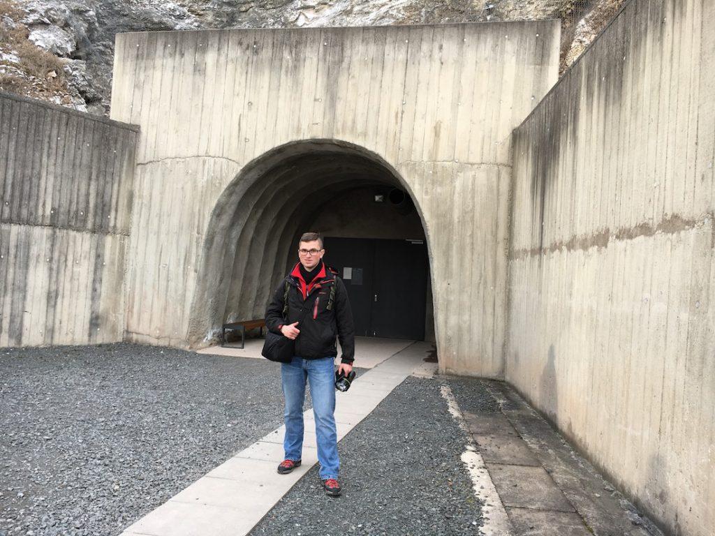 Pozdrawiam z wejścia do podziemi zakładów Mittelwerk